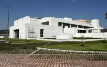 Visit to the Julio Mario Santodomingo Library